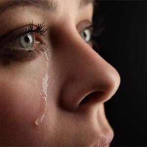 Постоянные слезы без причины