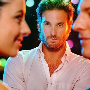 Что такое патологическая ревность, её симптомы у мужчин и женщин, как с ней справиться